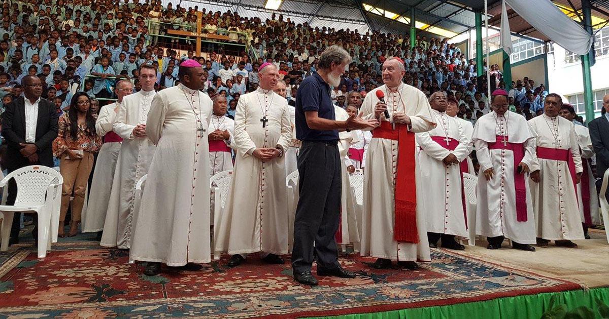 El cardenal Pietro Parolin, Secretario de Estado del Vaticano, visita Akamasoa