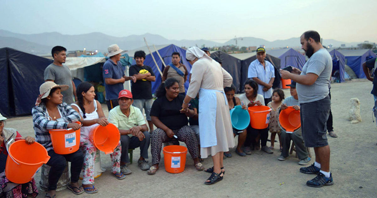 Las Hijas de la Caridad apoyan a damnificados en Perú