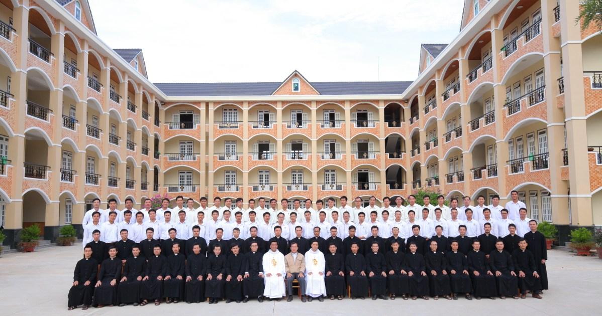 Vietnam: Retiro de seminaristas y estudiantes de filosofía