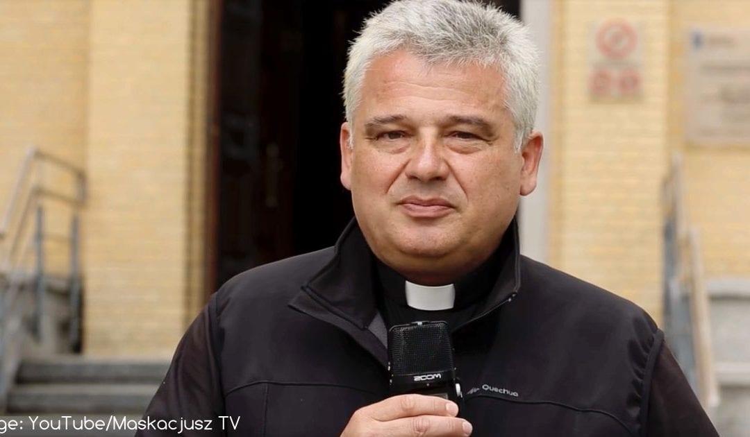 El limosnero del Papa ofrece su apartamento en el Vaticano a familia de refugiados