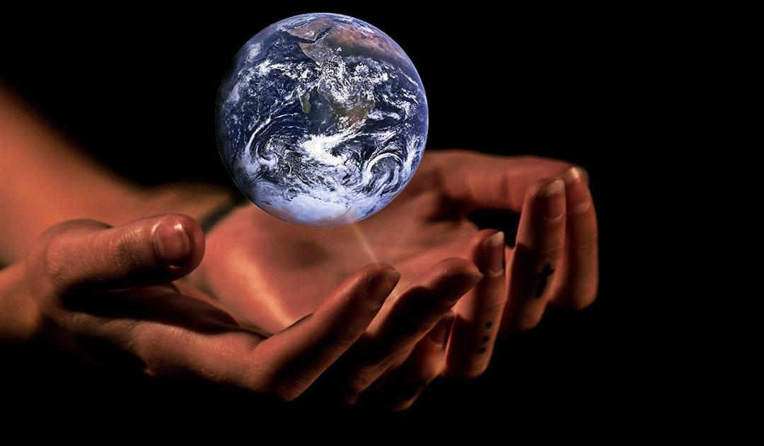 Guste o no, Dios existe y actúa en el mundo