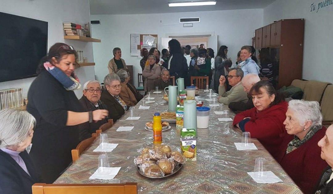 Visita al Centro de Inmigrantes El Roble en Sevilla