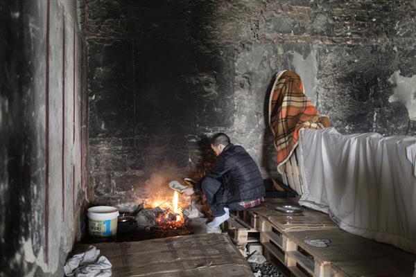 Migranti e rifugiati, 10 mila fuori accoglienza nei ghetti di tutta Italia