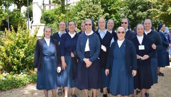 Le Figlie della Carità insieme per adorare, accogliere e andare
