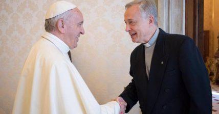 Papa Francisco e Tomaž Mavrič, superior geral da CM e coordenador internacional da Família Vicentina.
