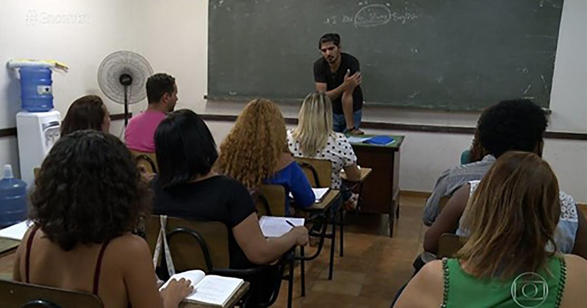 Comunidade carente aprende idioma e refugiados têm fonte de renda